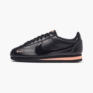 Nike Classic Cortez Premium Women's Shoes